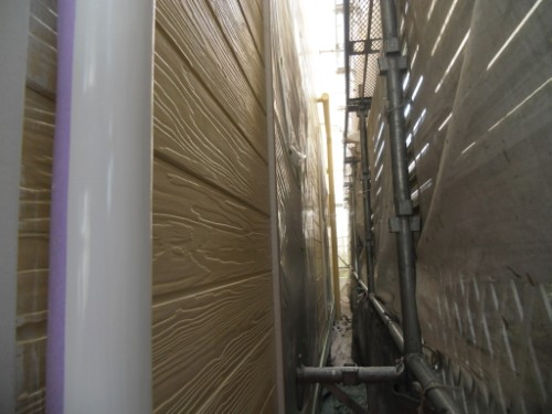 逗子市桜山:外壁下塗り