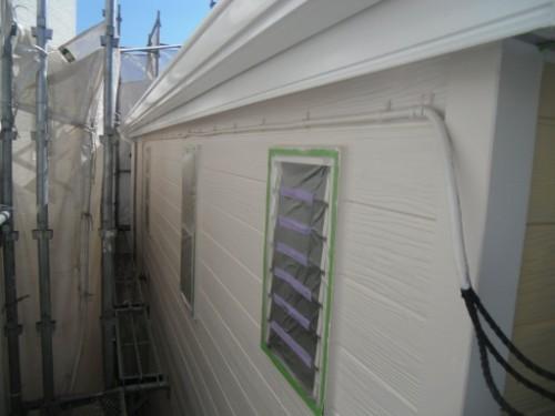逗子市桜山:外壁中塗り後