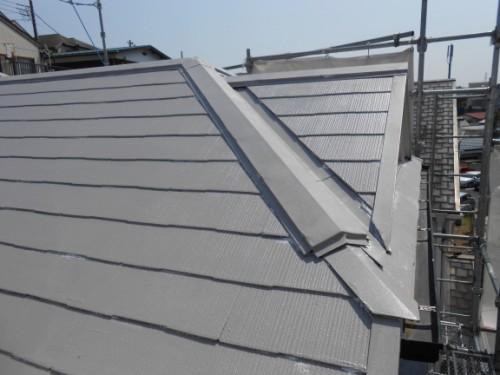 横浜市保土ヶ谷区:屋根上塗り1回目2