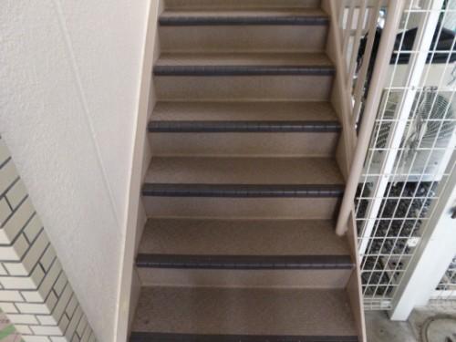 川崎市川崎区:階段長尺シート