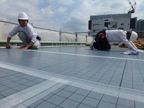2014年4月9日 神奈川区:自着シート貼り