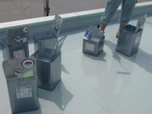 2014年4月16日 神奈川区:屋上ウレタン防水・材料