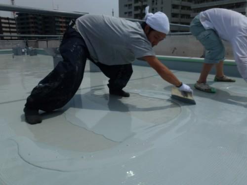 2014年4月16日 神奈川区:屋上ウレタン防水2層目4