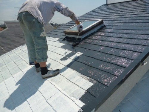 東京都大田区:遮熱塗料で屋根中塗り