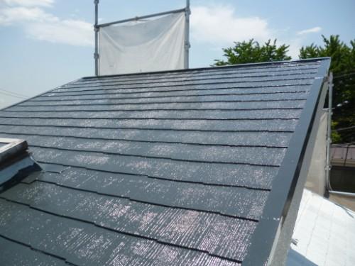 東京都大田区:遮熱塗料で屋根中塗り後