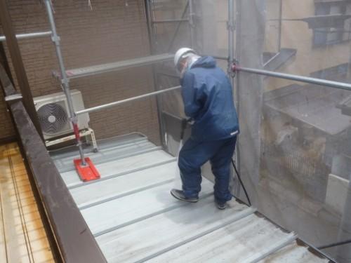 横浜市保土ヶ谷区:トタン下屋根洗浄
