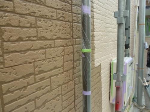 横浜市保土ヶ谷区:外壁中塗り1回目2