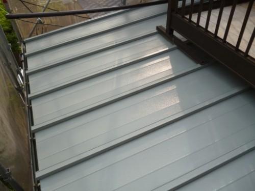 横浜市保土ヶ谷区:下屋根上塗り完了後