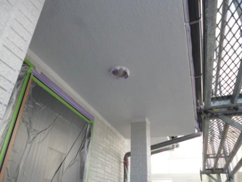 相模原市中央区:玄関前軒上塗り後