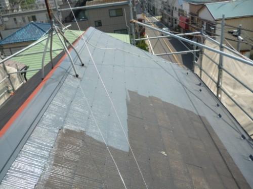 横浜市保土ヶ谷区:屋根中塗り2
