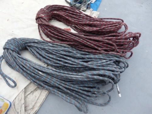 川崎市川崎区:ブランコのロープ
