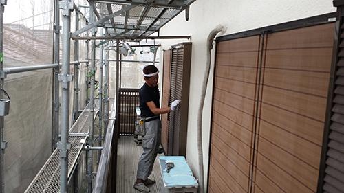 2013年7月13日 川崎市中原区にて外壁塗装・雨戸ケレン