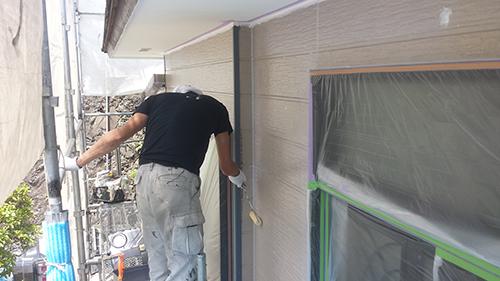 2013年7月23日 南区六ッ川にて外壁塗装:外壁キルコート下塗り