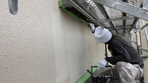 2013年7月3日 川崎市中原区にて外壁塗装・窓枠下シーラー