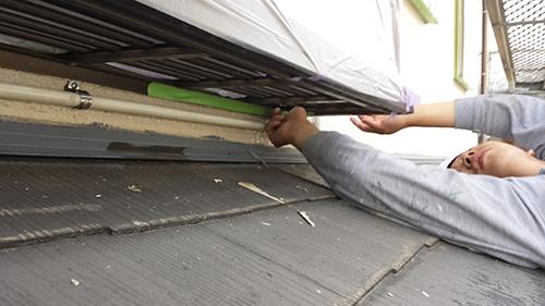 2013年7月2日 川崎市中原区にて外壁塗装・手すり下養生?