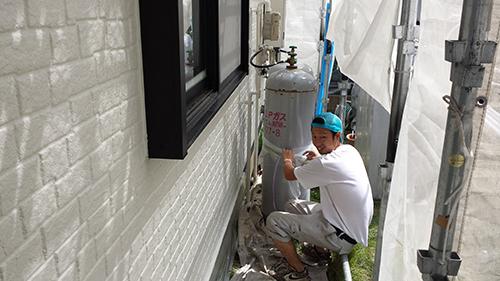 2013年6月28日 稲城市での外壁塗装:養生ばらし