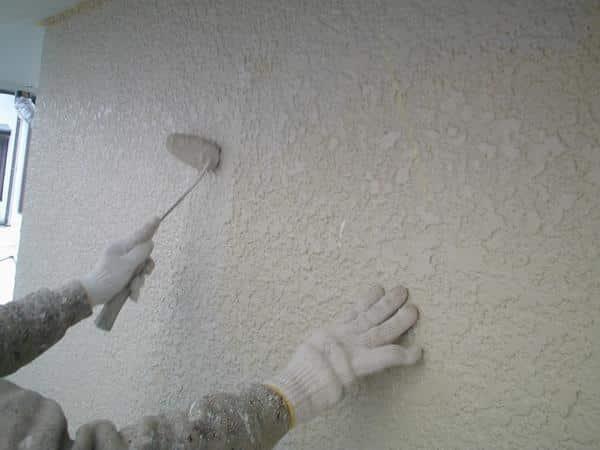 塗料18缶使用! 外壁も屋根の塗料も種類より使用量で耐久性が決まる。