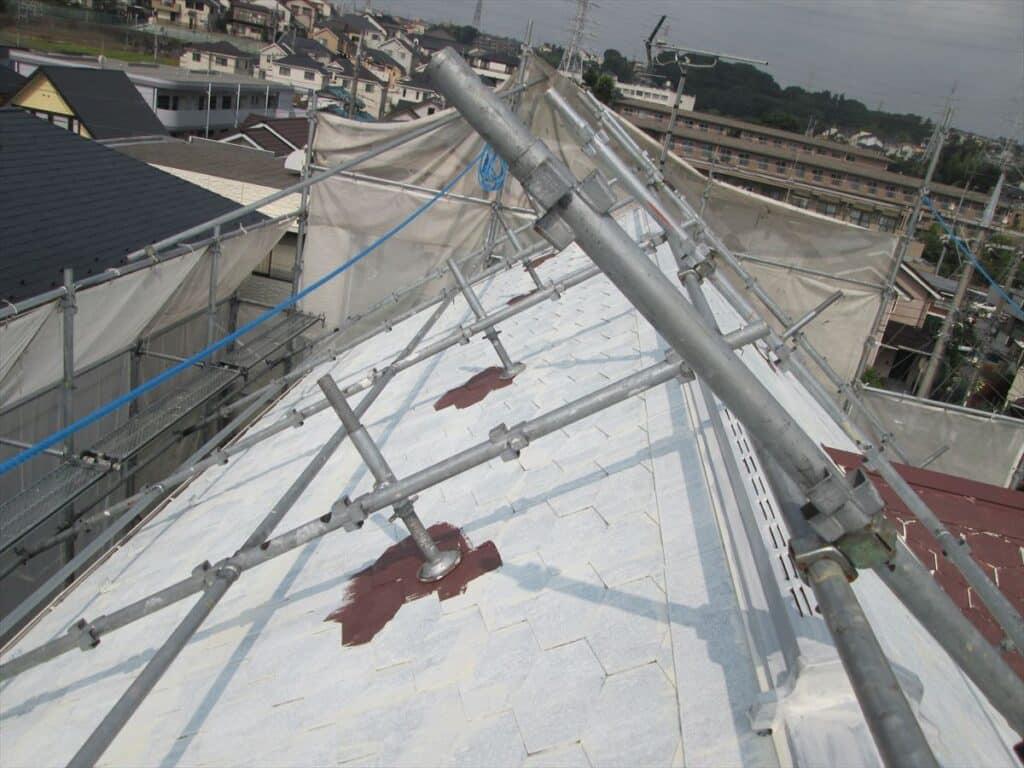 屋根足場ベース下の塗装