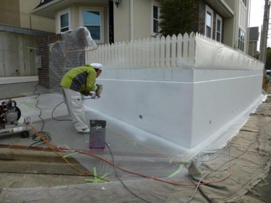 横浜市青葉区での外壁塗装施工事例、外構部分の塗装