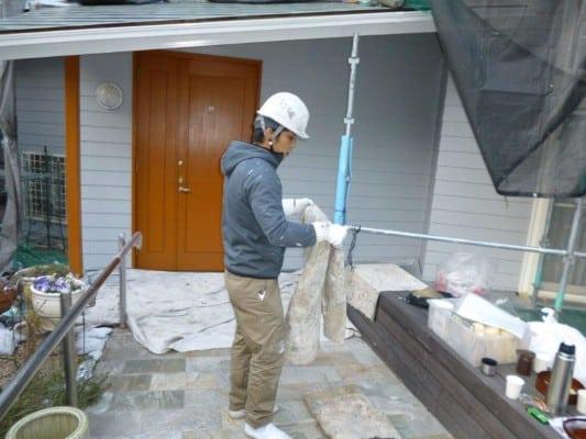港北区での外壁塗装、1級塗装技能士ならではの塗装現場。