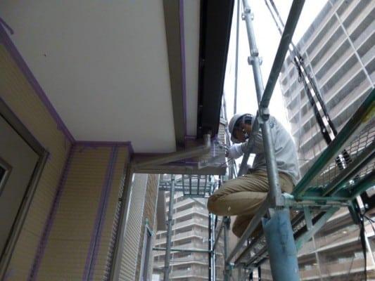 麻生区での外壁工事、1級塗装技能士が施すシール工事