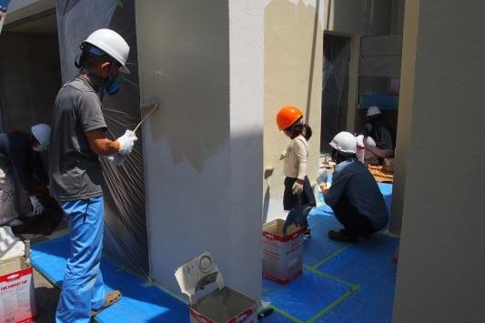 自宅の外壁を家族で塗ろう!一日塗装体験第1弾
