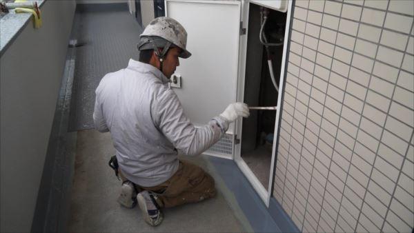 寒い季節での現場仕事。神奈川区施工のマンション鉄部塗装にて