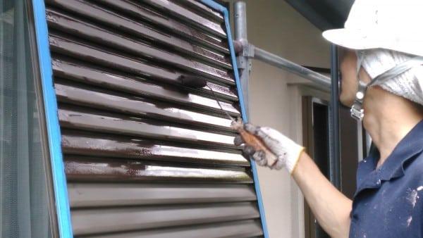 横浜市港北区 雨戸塗装・刷毛とローラー