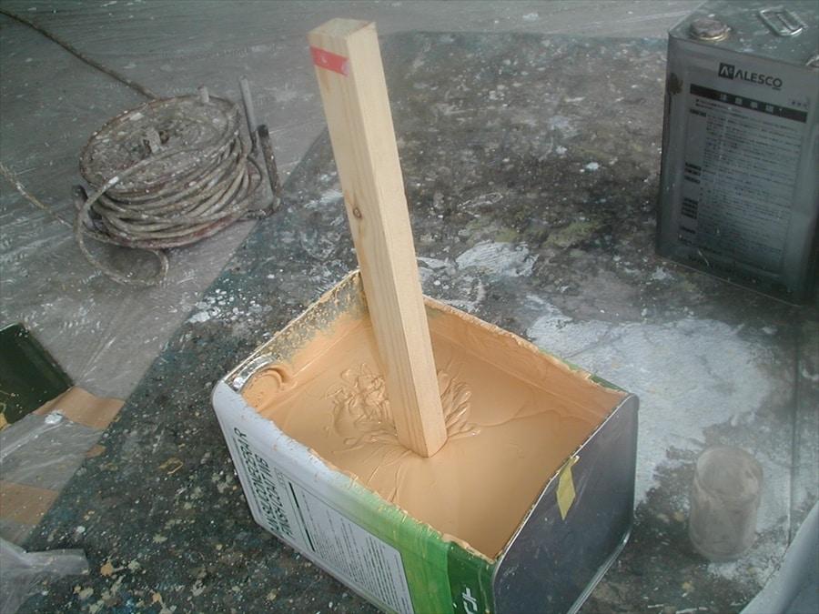 棒が建てるほどネットリの弾性塗料