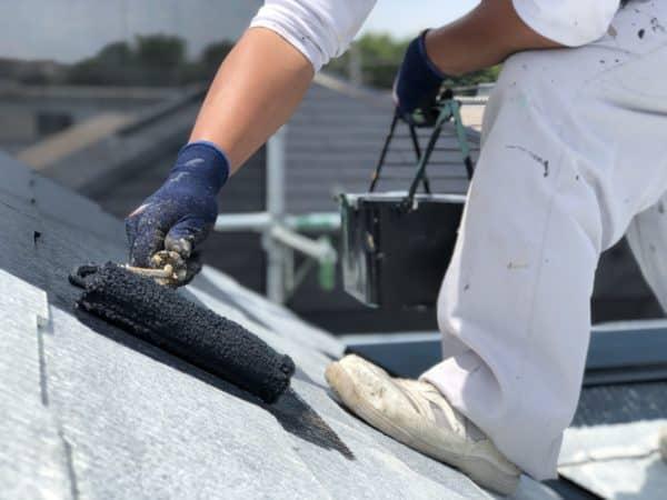 【質問】フッ素の遮熱塗料で屋根塗装することにしました。明るい色を選ぶ人は少ないですか?