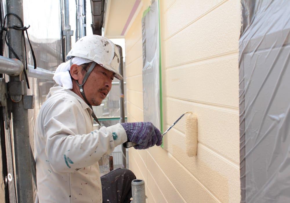 一般的なサイデイング塗装と横浜塗装職人の一級塗装技能士・原本