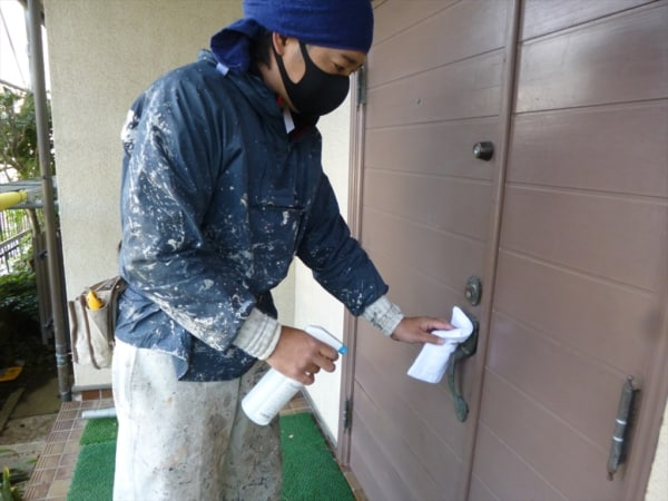 塗装現場でもコロナ対策を徹底するようにしました。