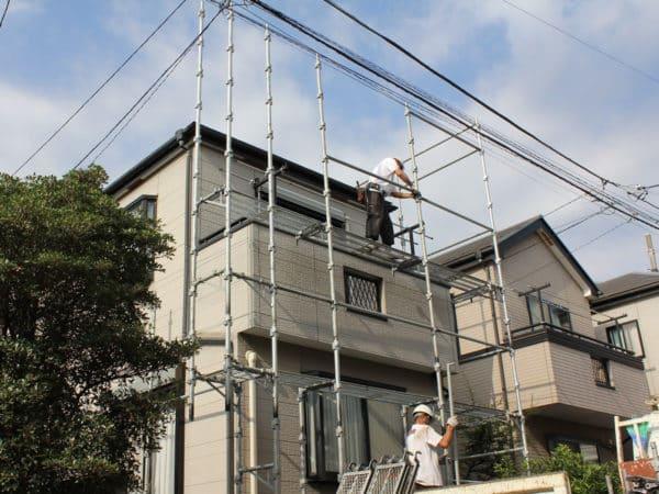 神奈川区でサイディングの隙間と反り返りの修復塗装