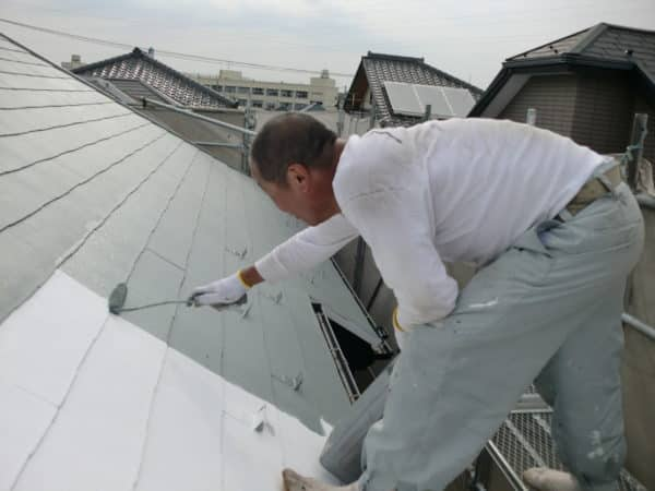 サイディング目地のひび割れを完全修復した外壁と屋根5回塗りの断熱塗装