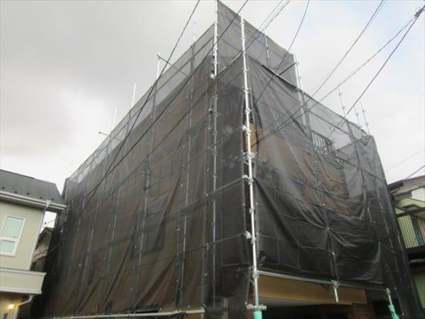 リピーターのお客様から雨漏り補修と10年前と同じ壁色塗装のご依頼を頂きました