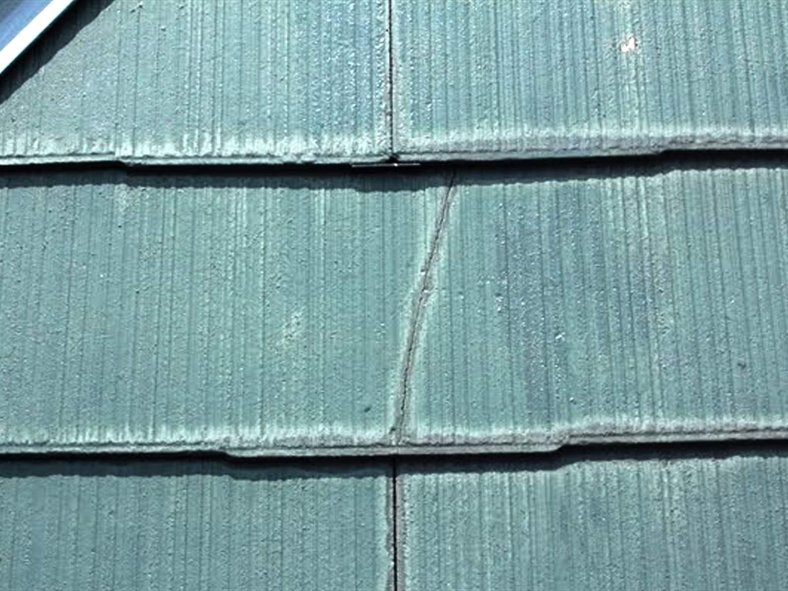屋根のクラック