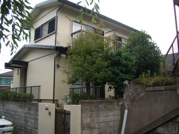 汚れが目立っていた築28年のセキスイ住宅を外壁塗装で復活させました