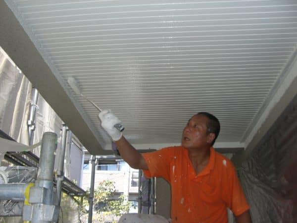 一級塗装技能士による真夏のモルタル外壁・スレート屋根塗替え工事例