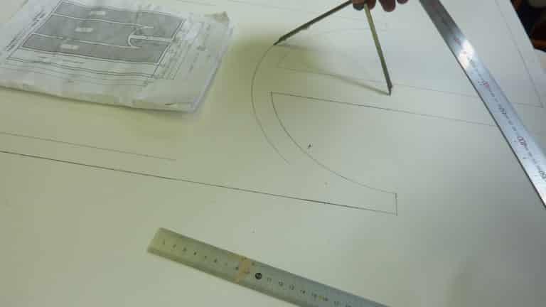 一級塗装技能検定のコンパスでのケガキ線