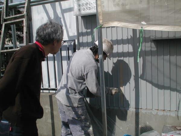 技術が問われる傷みやすいトタン外壁、塗装してから10年の経過記録。