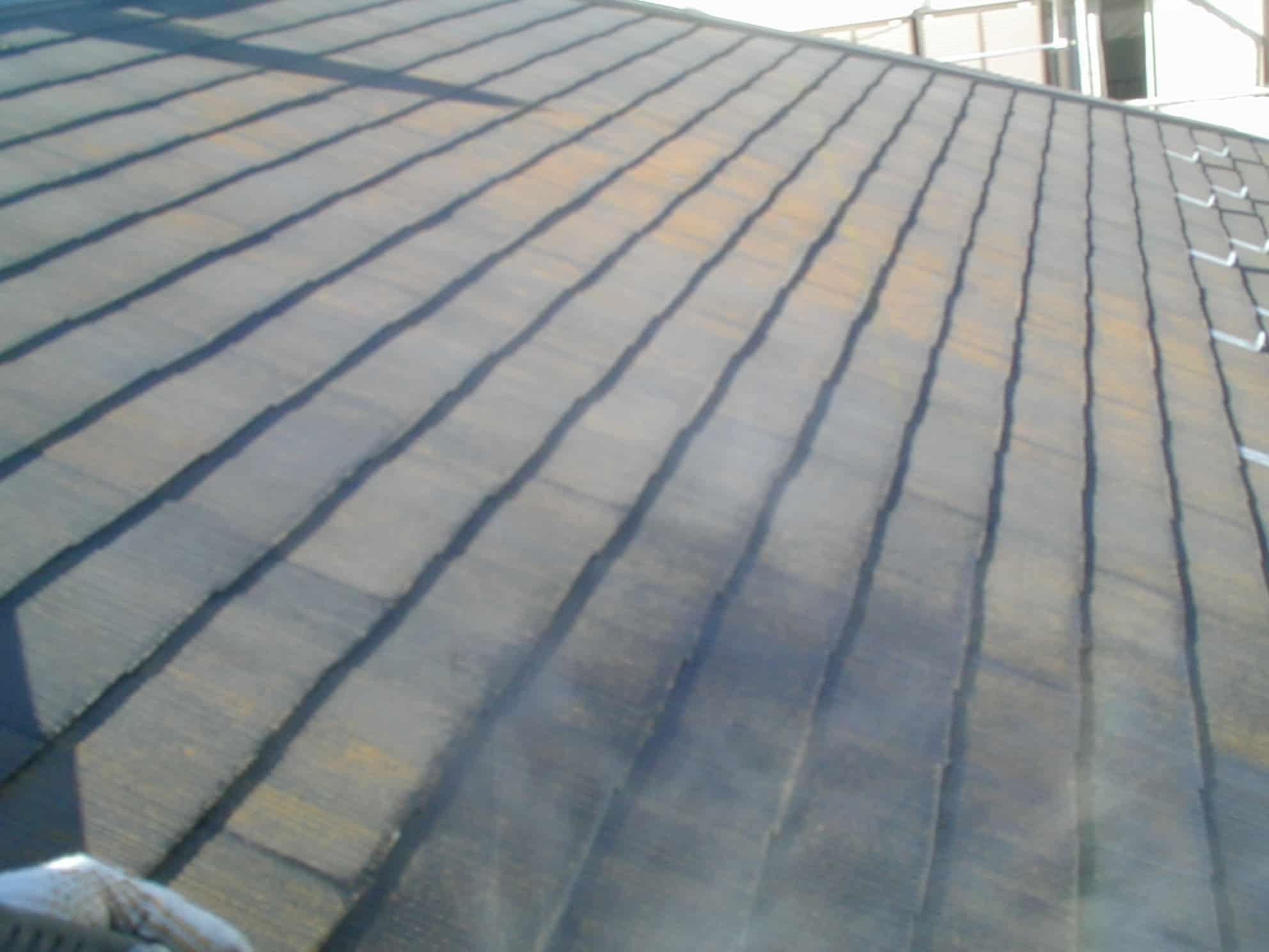 スレート屋根の高圧洗浄前