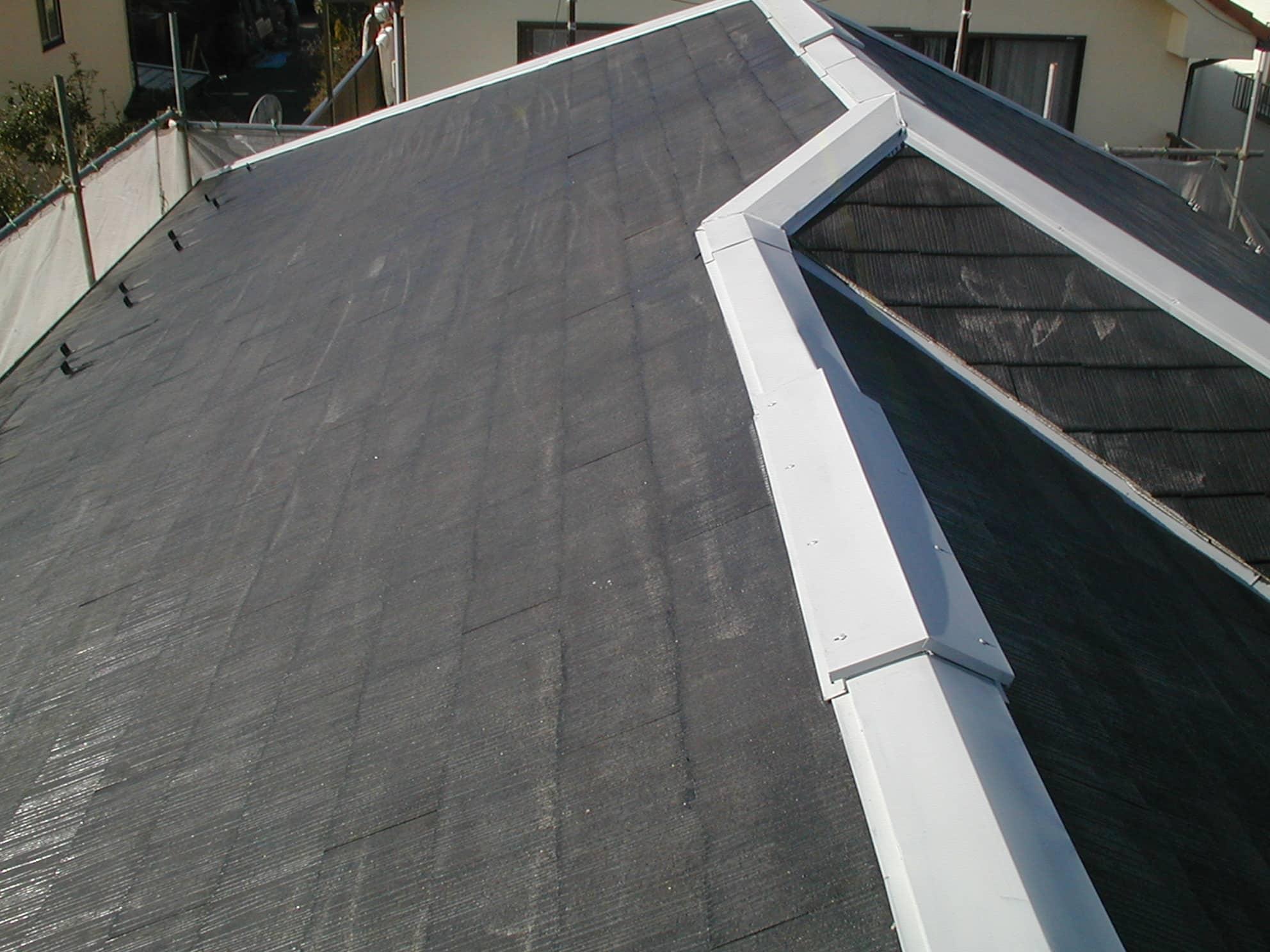 屋根のシーラー塗布後