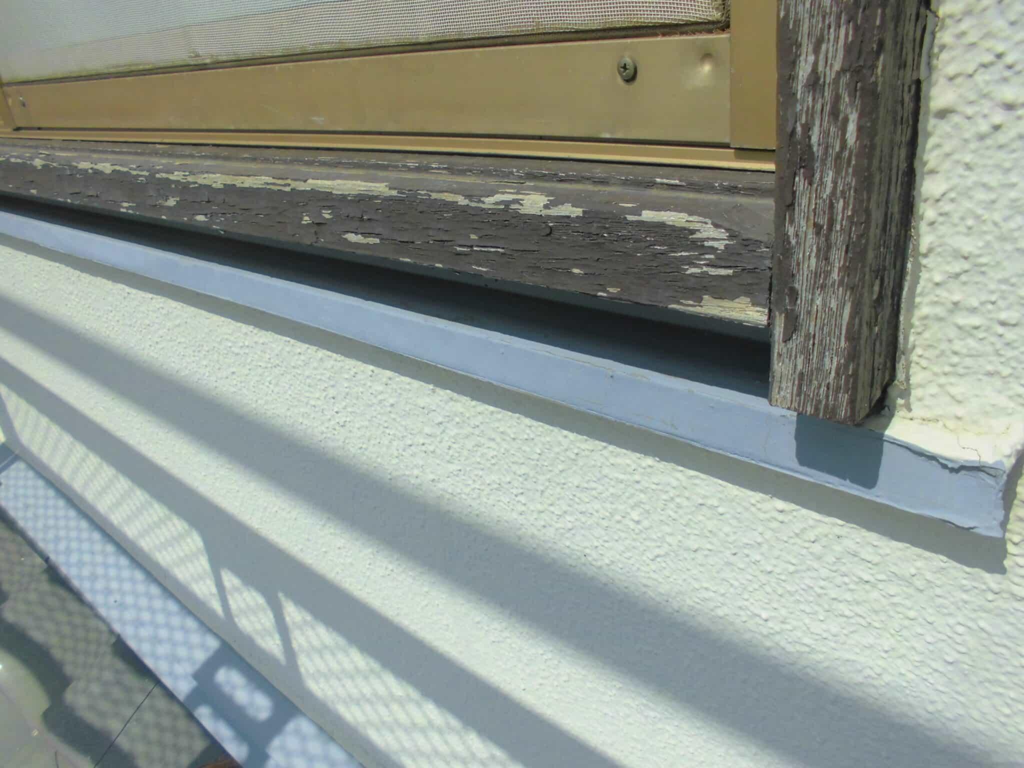 木枠の塗装剥がれ