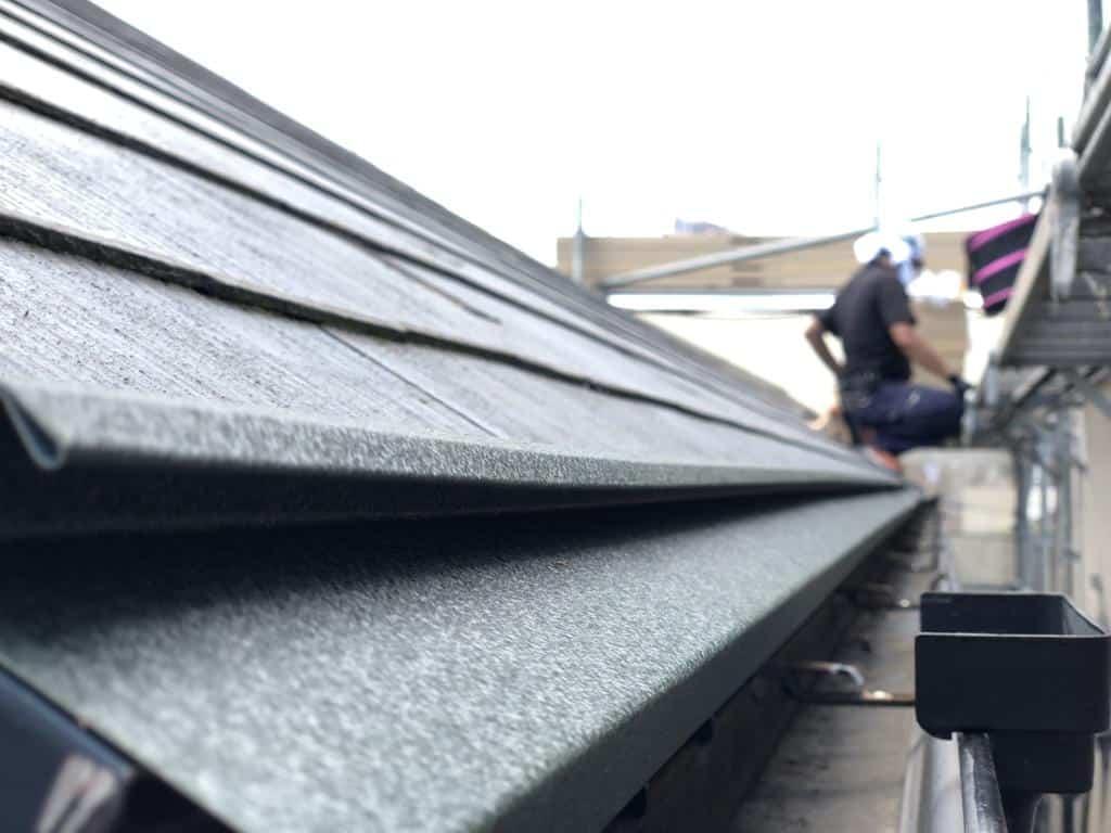 屋根のカバー工法による工事