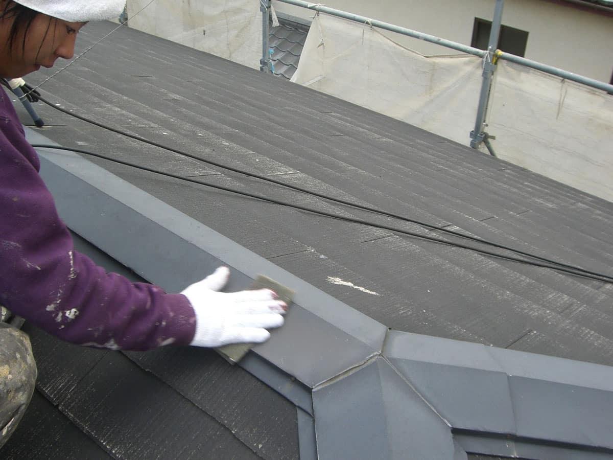 スレート屋根の棟板金のケレン