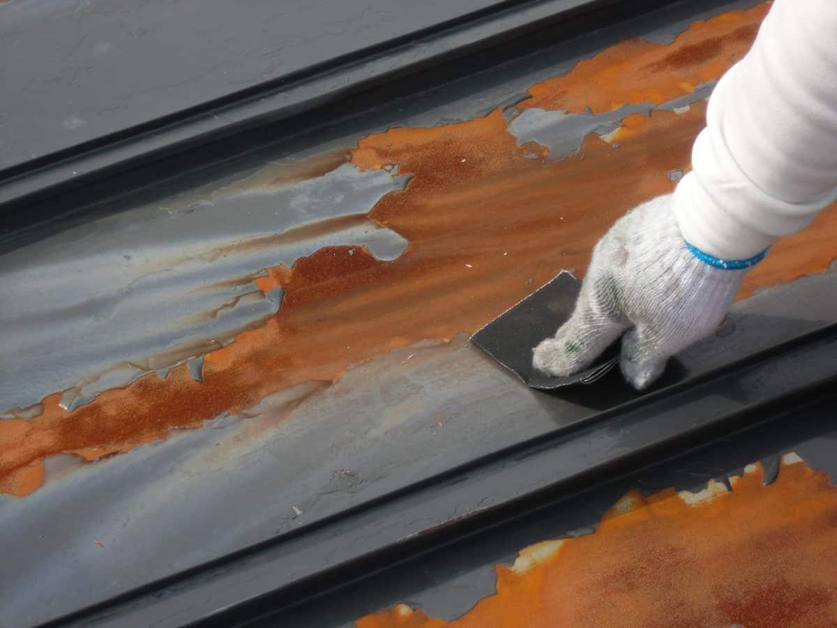 トタン屋根のさび落とし