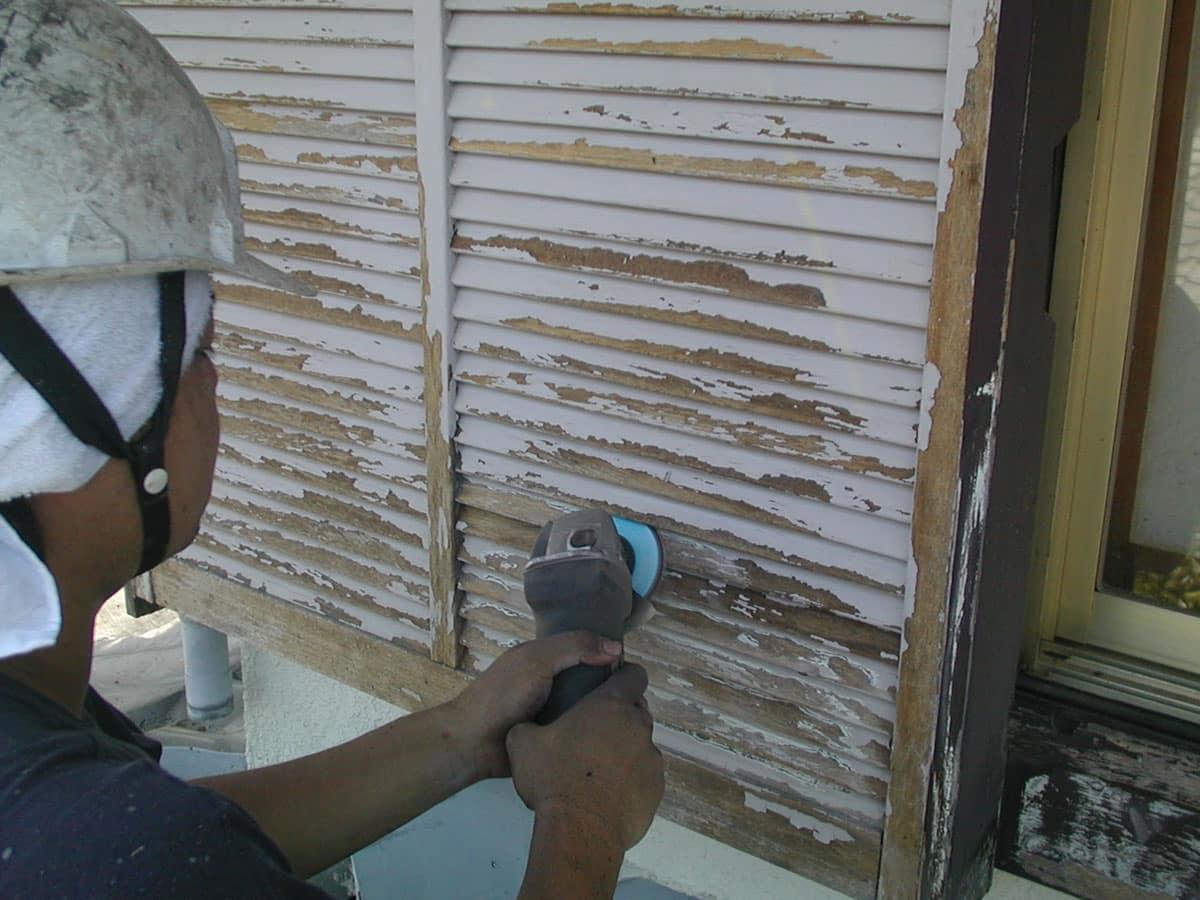 ディスクサンダーにて旧塗膜除去