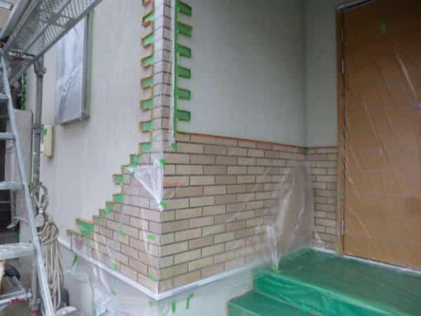 塗装職人が誇る外壁塗装は、繊細で丁寧な養生作業で決まる