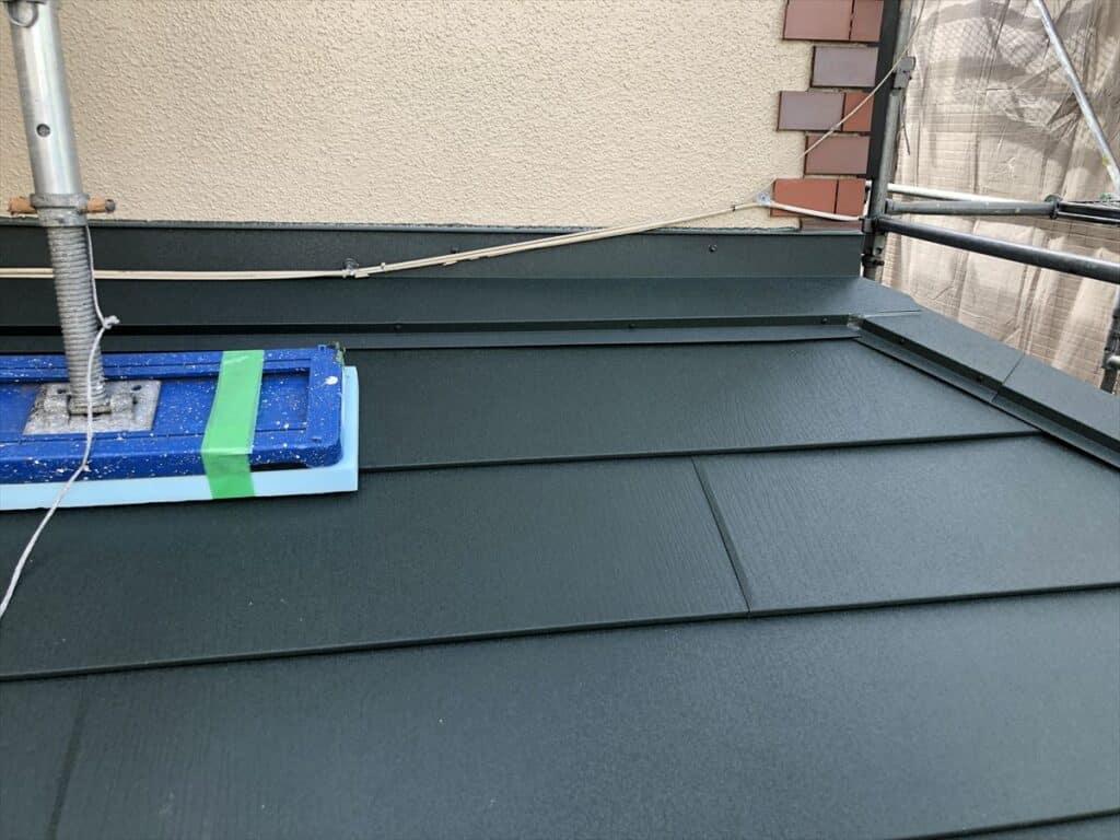 下屋根のカバー工法
