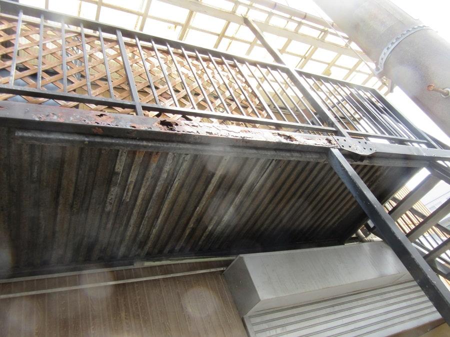 共用廊下の鉄部